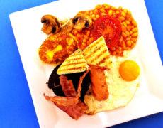 Wielkie, szkockie śniadanie.